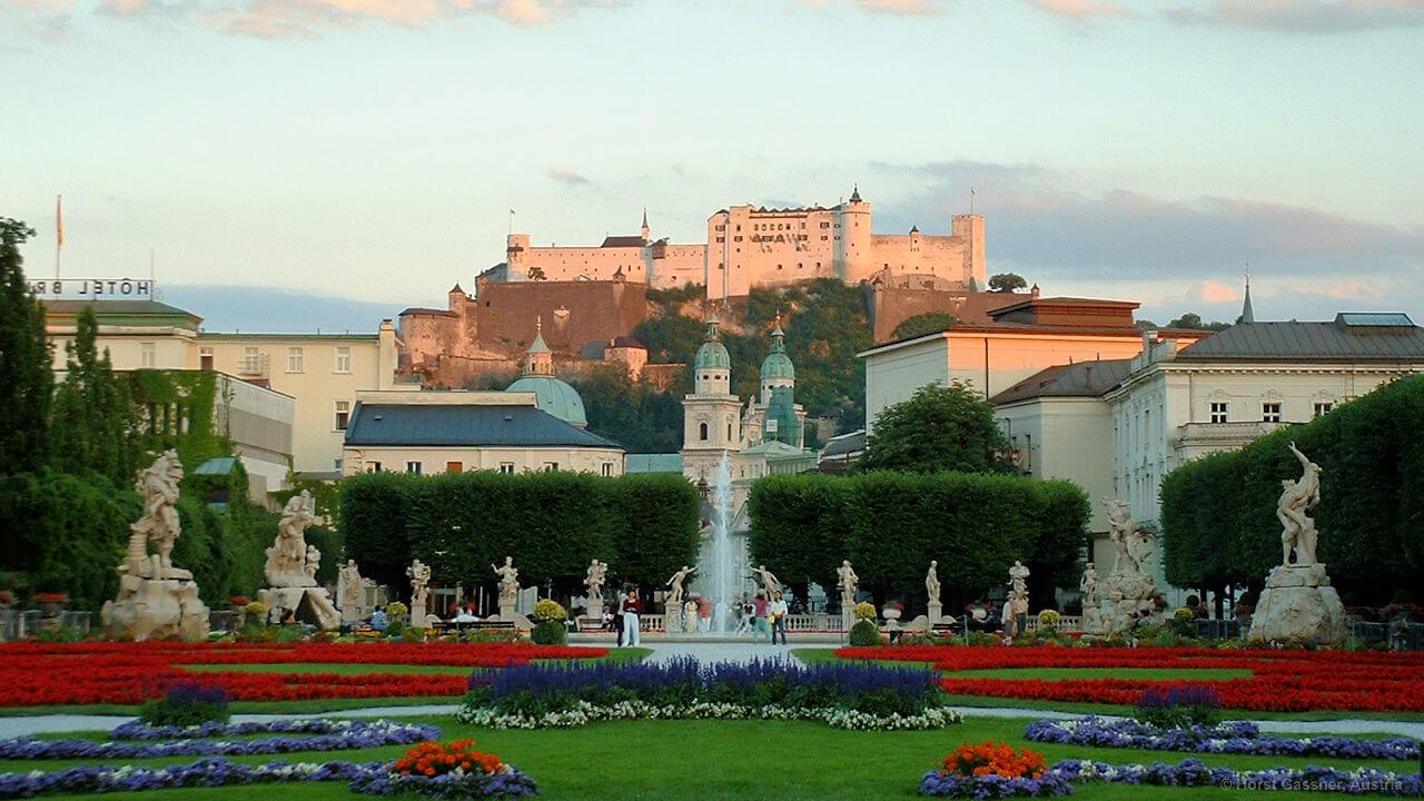 Stadtrundgang durch Salzburg - Mirabellgarten mit Festung Hohensalzburg