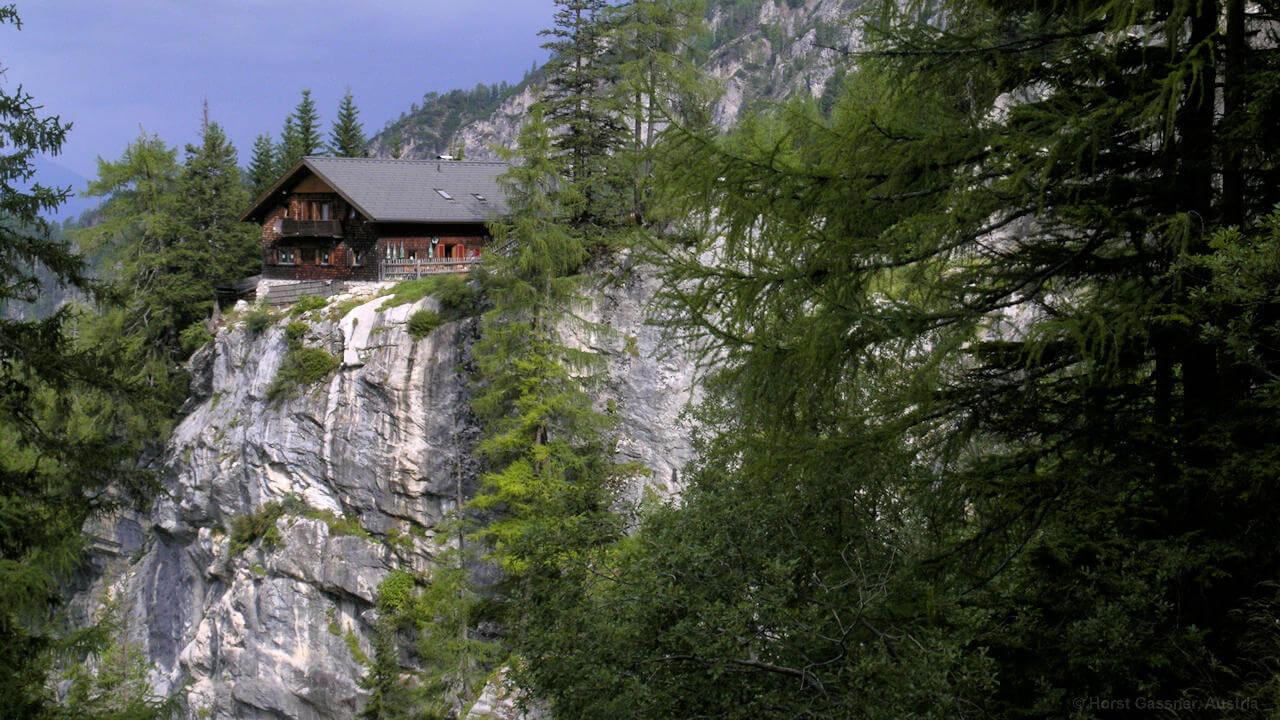 Dreitörlweg, Dolomitenhütte