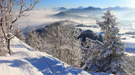 Kurz unterhalb des Gipfels, Blick in Richtung Hof bei Salzburg