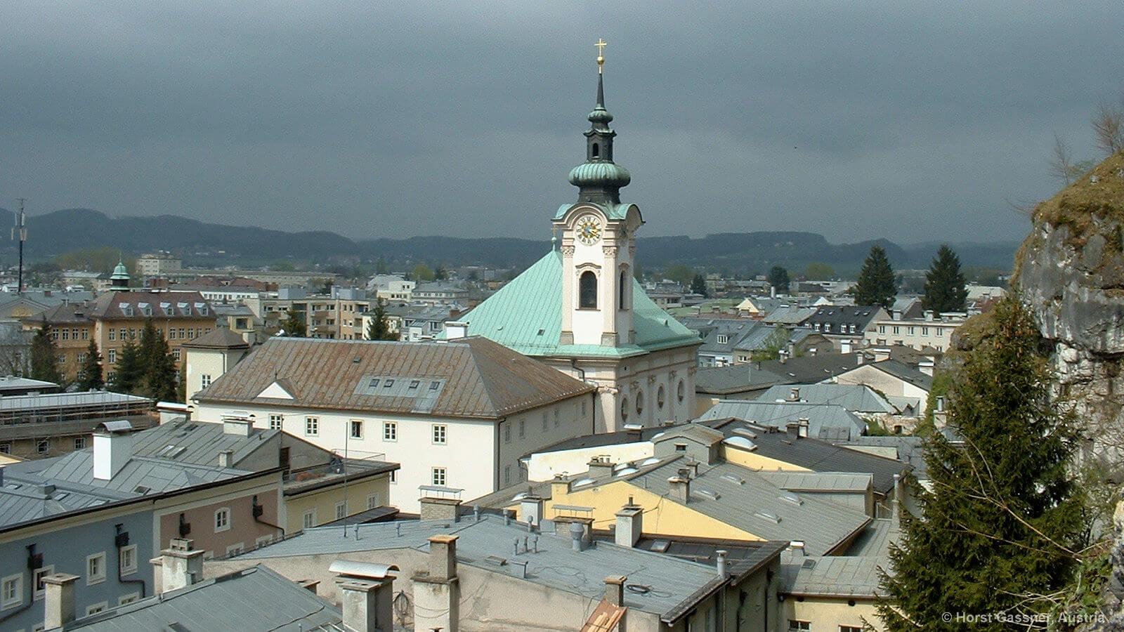 Auf dem Kapuzinerberg - Blick über Salzburg beim Aussichtspunkt am Kloster