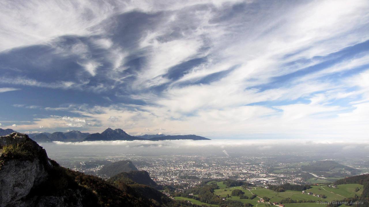 Der Nockstein - sommerlicher Blick nach Salzburg