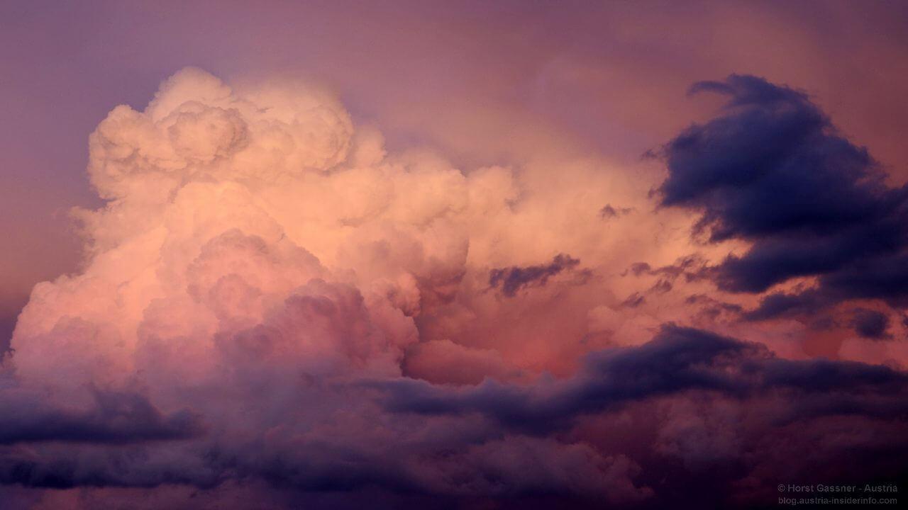 Wolken im Abendlicht