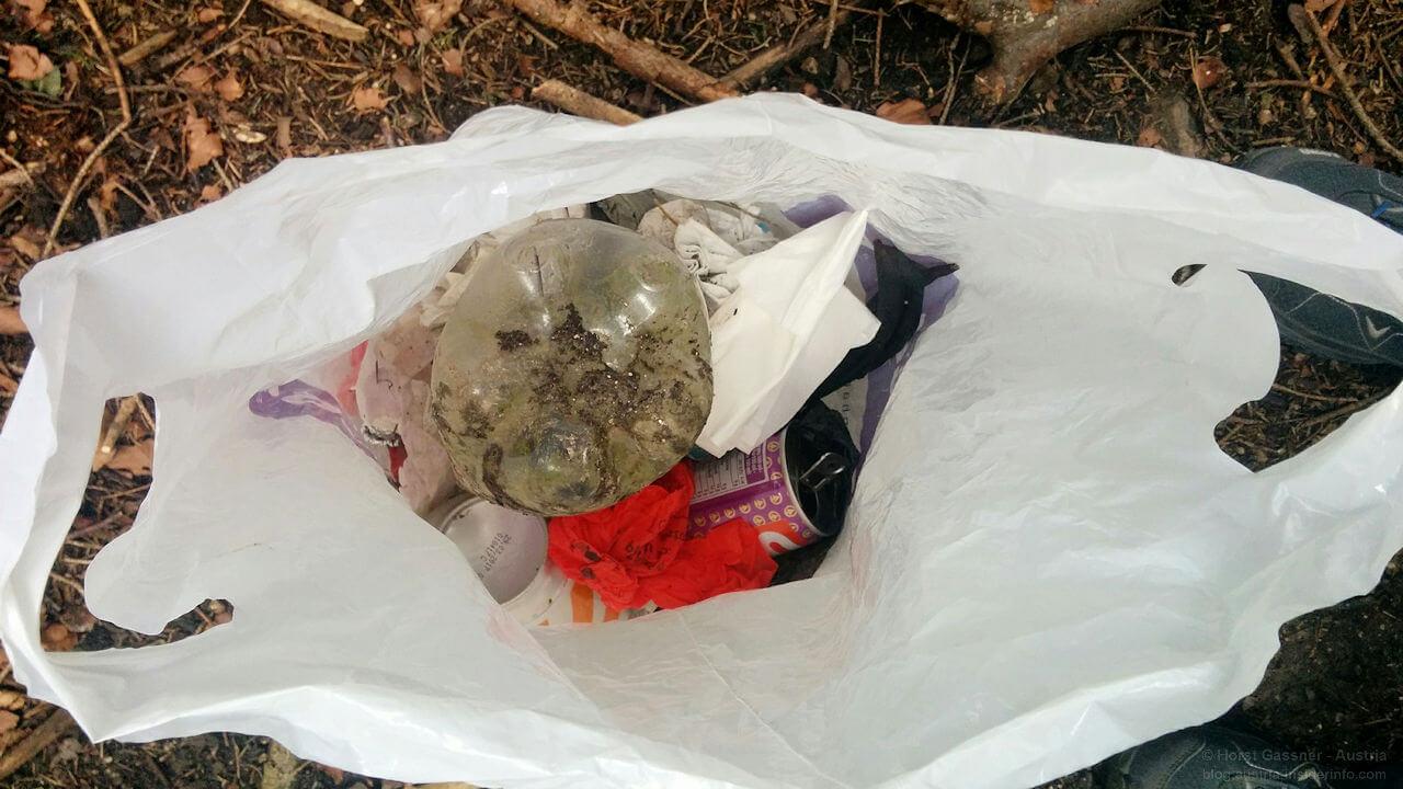 Müllausbeute auf dem Weg zum Nockstein