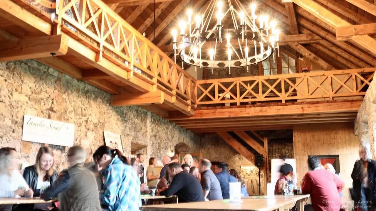 Burg Kaprun in angenehmer Atmosphäre austauschen