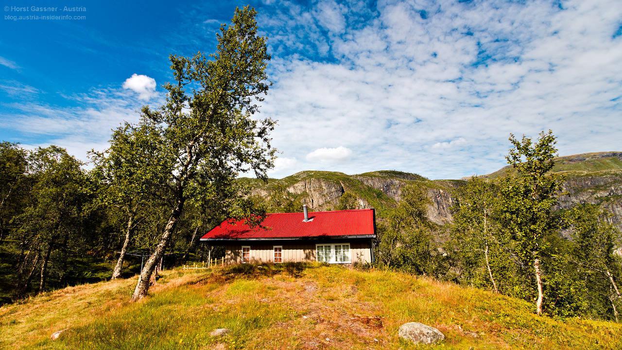 Rot. Haus. Norwegen. Genial.