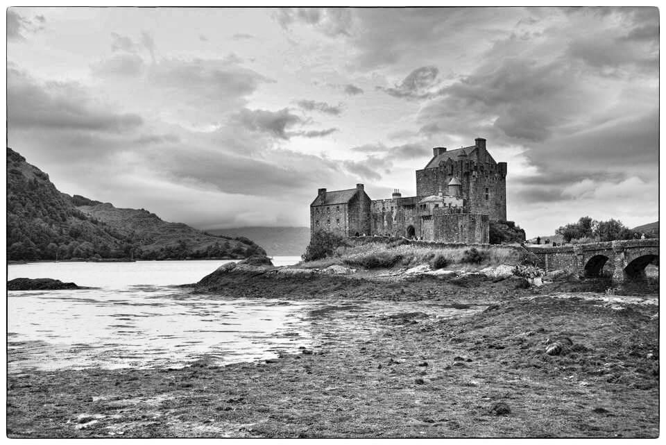 Das schottische Schloss in S/W
