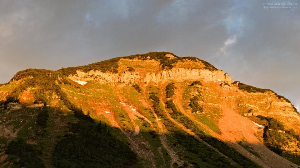 Sonnenaufgang auf der Genneralm - Blick zum Gennerhorn