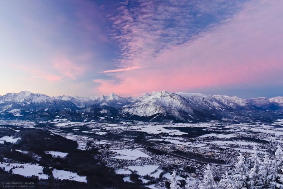 Top Sehenswürdigkeiten - Blick vom Gaisberg über Salzburg im Winter