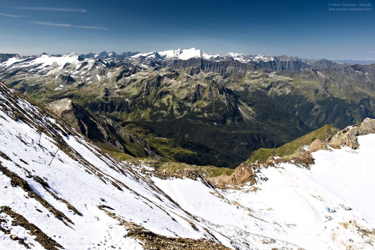 Ausblick in die Berge von der Bergstation Kitzsteinhorn