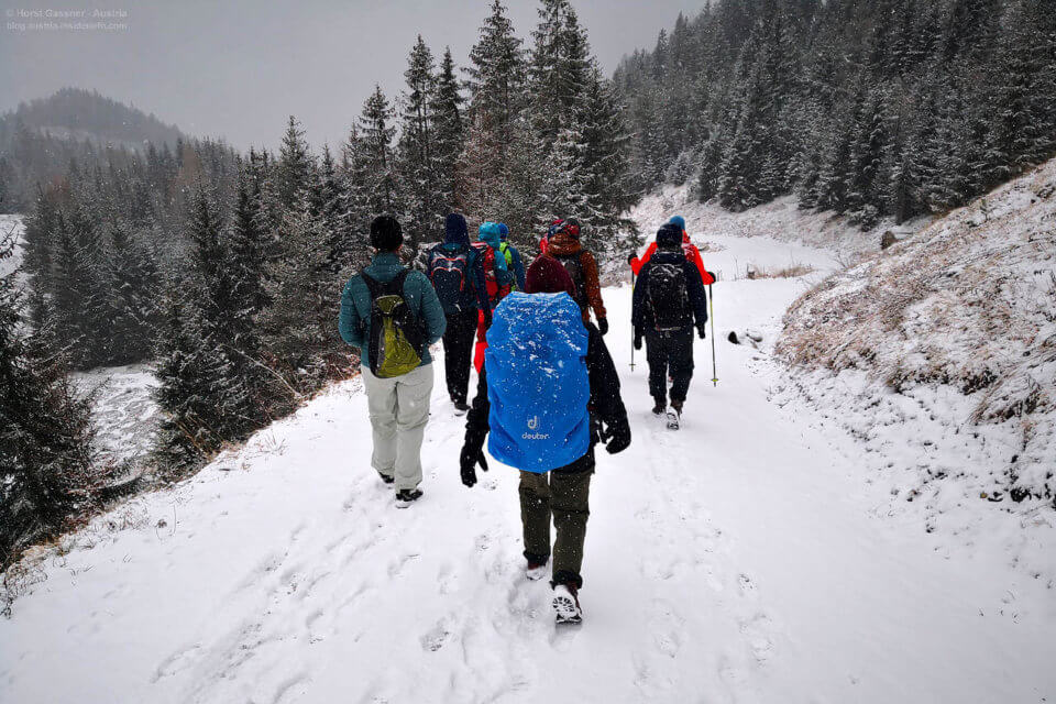 Salzburger Bergwanderführer Winterkurs - Abstieg von der Steinalm