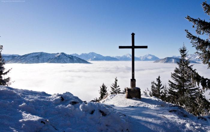 Winterwanderungen - hilfreiche Tipps - am Gipfel des Lidaun im Winter